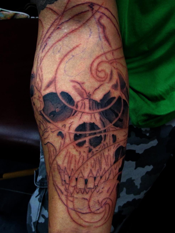 Daniel Forearm Skulls 1 Chris Black